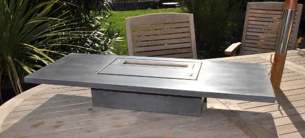 Sparxs nos diff rents types d 39 habillages pour chemin es for Table de jardin en beton cire